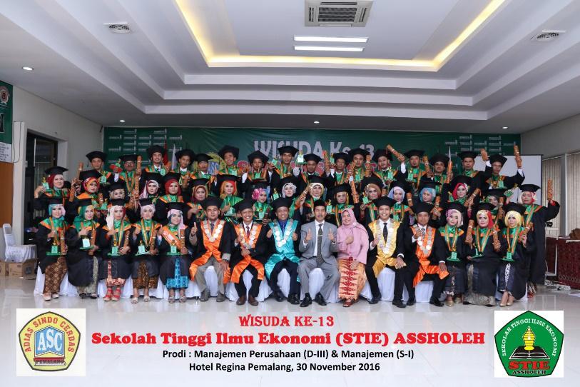 WISUDA STIE ASSHOLEH PEMALANG KE-13 TAHUN 2016